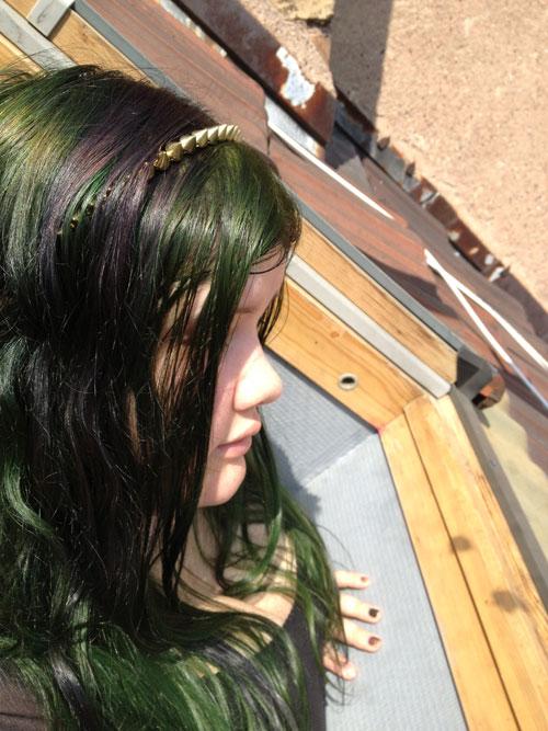 coloration cheveux vert foncé directions Zoh