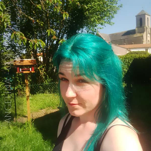 Merci Angelina :) Coloration Cheveux Vert Alpin - Directions | Color-Mania