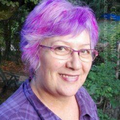 Merci Veronique :) Coloration Cheveux Lilas, Cerise, Violet, Neon Blue - Directions sur base cheveux blancs naturels | Color-Mania