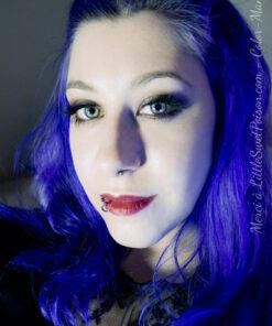 Coloración del cabello azul eléctrico - Direcciones