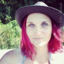 Coloration Cheveux Rose Cerise – Directions 8