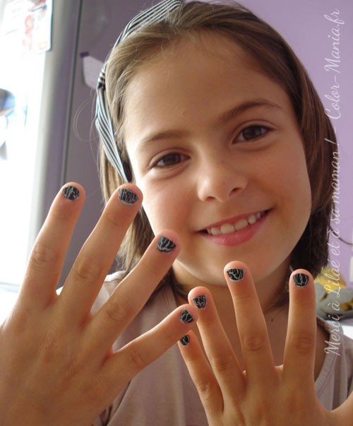 Vernis ongles craquel violet violent stargazer color mania - Vernis a ongle noir ...