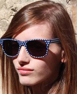 Lunettes de Soleil type Wayfarer à Pois Bleu Foncé
