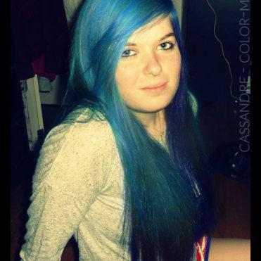 Cassandre - Coloration Cheveux Bleu Atlantique - Directions | Color-Mania