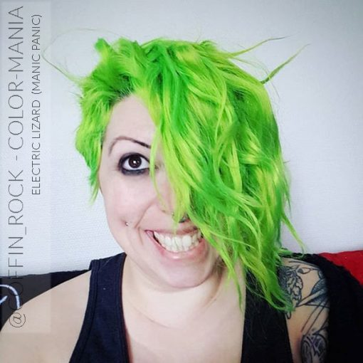 Merci @coffin_rock :) Coloration Cheveux Vert Electric Lizard UV - Manic Panic | Color-Mania