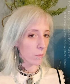 Merci @Fae-Nyx_ :) Coloration Cheveux Toner Blanc Virgin Snow - Manic Panic | Color-Mania