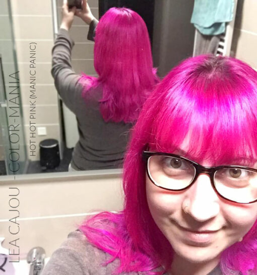 Merci Léa Cajou :) Coloration Cheveux Rose Hot Hot Pink UV - Manic Panic | Color-Mania
