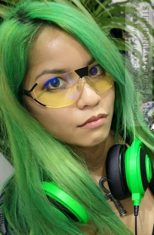 Merci Stephanie :) Coloration Cheveux Vert Electric Lizard UV - Manic Panic | Color-Mania