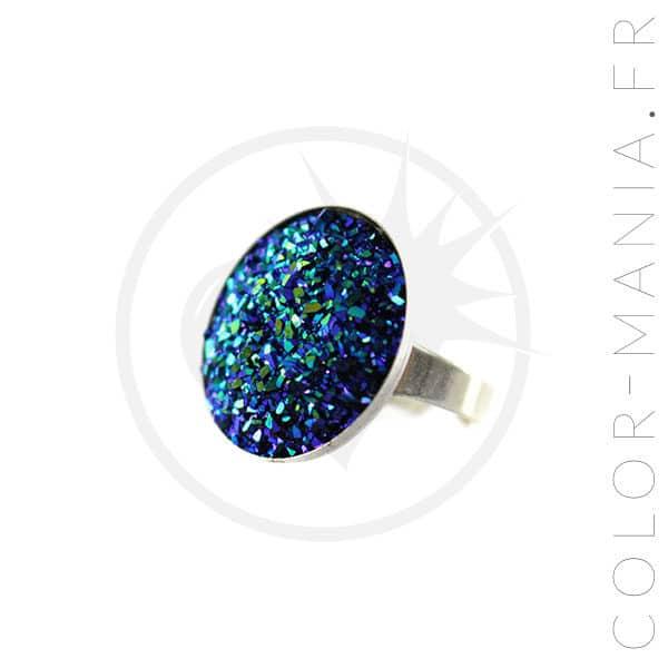 Anello circolare blu e cristalli verdi | Color-Mania