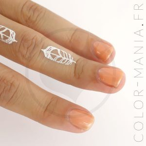 Vernis Orange Abricot Phosphorescent dans le Noir | Color-Mania