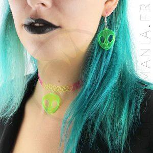 Collier Tattoo Arc-en-Ciel et Boucles d'Oreilles Alien Vert | Color-Mania