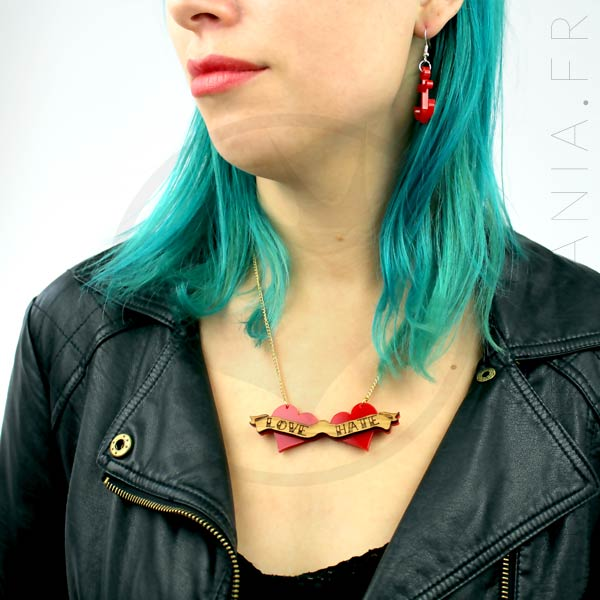 Collier Rouge et Bois Old School Love-Hate | Color-Mania