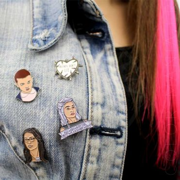 Pin's Eleven Stranger Things, Daenerys Game of Thrones Alex Vause Orange is the New Black | Color-Mania