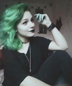 Merci Emma :) Coloration Cheveux Vert Enchanted Forest- Rebellious | Color-Mania