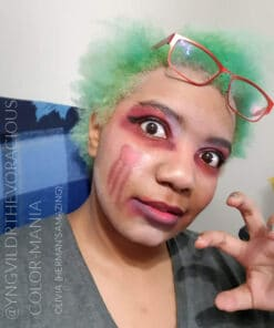 Merci @yngvildrthevoracious :) Coloration Cheveux Vert Olivia Green UV - Herman's Amazing | Color-Mania