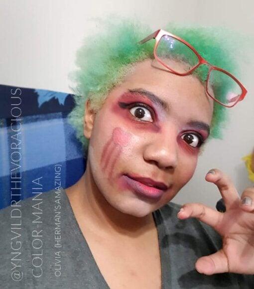 Merci @yngvildrthevoracious :) Coloration Cheveux Vert Olivia Green UV - Herman's Amazing   Color-Mania