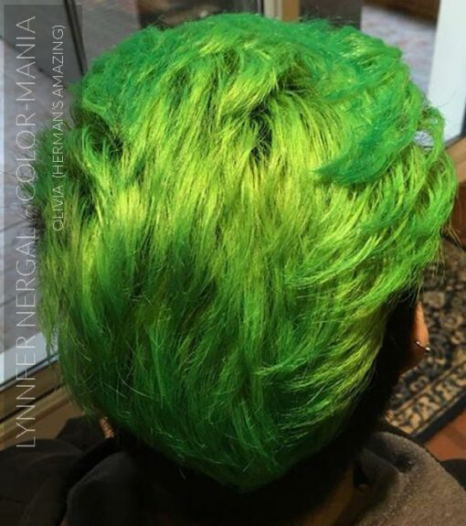 Merci Lynnfer Nergal :) Coloration Cheveux Vert Olivia Green UV - Herman's Amazing | Color-Mania