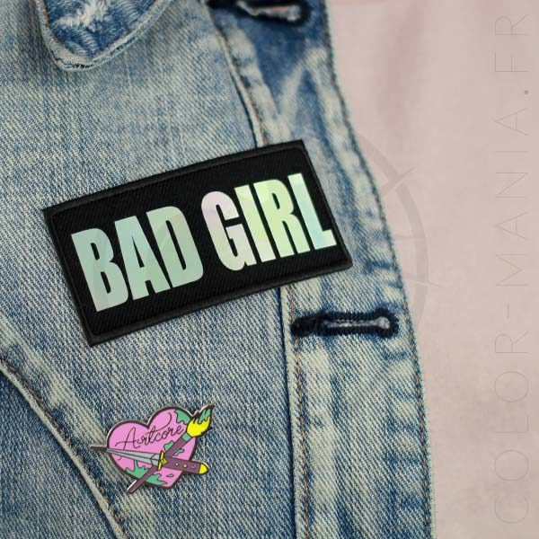 Artcore Heart Pin y Bad Girl Patch | Color-Mania