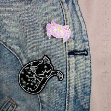 Pin's Chaton Rose à Quatre Yeux   Color-Mania