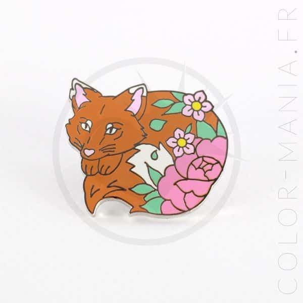 Orange Fox Pin y flores rosadas | Color-Mania