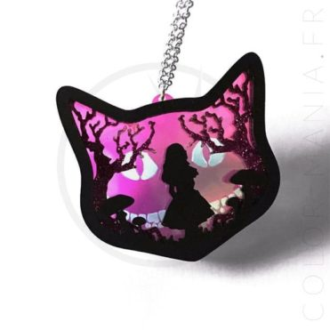 Collier Chat Diorama Alice in Wonderland | Color-Mania