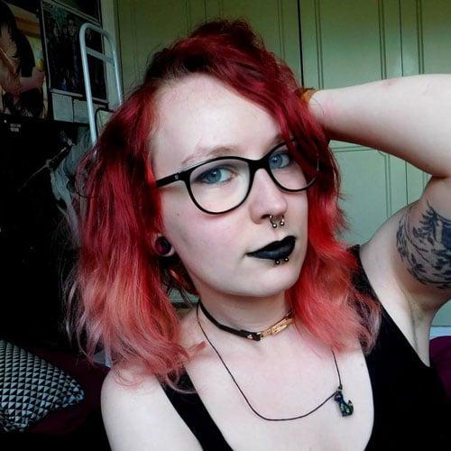 Alex et ses cheveux rouges | Color-Mania | L'interview colorée