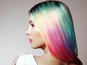 Changer de couleur de cheveux avec la coloration semi-permanente - Color-Mania