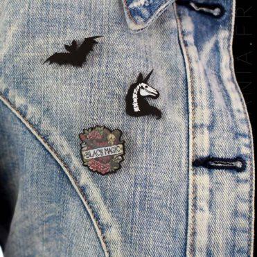 Pin'sChauve Souris Noire Noctilio | Color-Mania.fr