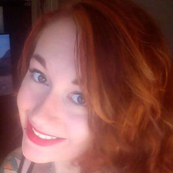 La colorata intervista di Color-Mania con Lola: i capelli rossi