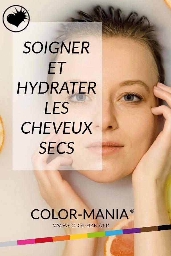 jeune femme aux cheveux blonds prenant un bain pour illustrer les soins pour cheveux secs