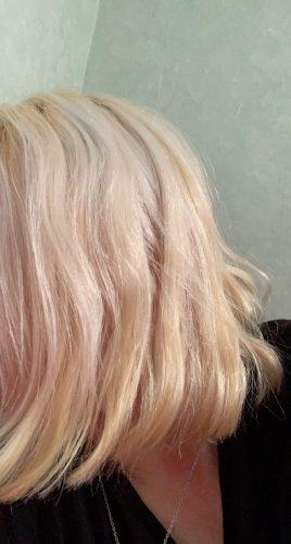 Cheveux décolorés en blond